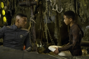 After-Earth-DF-06229r_1400