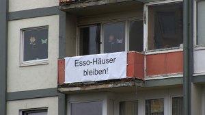 Esso-Haeuser_Transpi_bleiben
