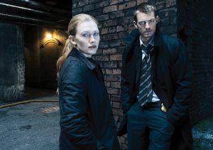 Sarah Linden (Mireille Enos) and Stephen Holder (Joel Kinnaman) - The Killing - Season 3 - Gallery - Photo Credit: Frank Ockenfels 3/AMC