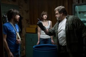 10_Cloverfield_Lane-3