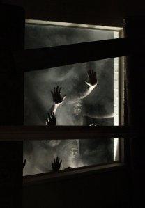 Scream_at_the_Devil-05