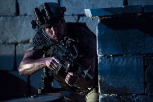 13_Hours-02