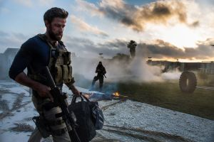 13_Hours-03