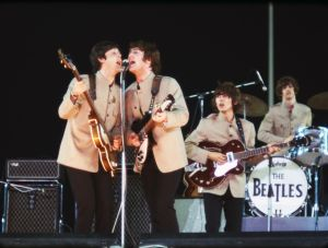 the_beatles-eight_days_a_week-10