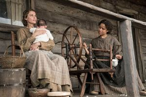 Seated on Newt & Rachel's porch, when Rachel's (Gugu Mbatha-Raw) wheel jams, Serena (Keri Russell) offers to hold the baby so Rachel can fix the wheel.